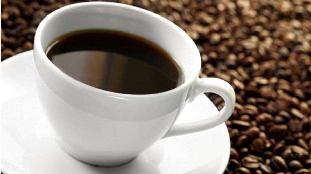 Caffè decaffeinato in dieta o in gravidanza: fa bene?