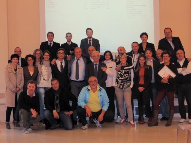 Marco Grappeggia, in aula con una delle sue classi di studenti.