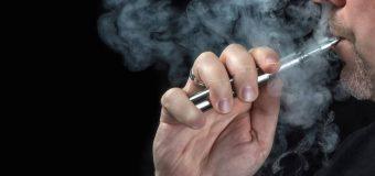 """Sigaretta elettronica: anche """"svapare"""" provoca in cancro. Lo dice la scienza"""