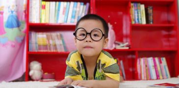 occhiali da vista giusti per i bambini a scuola