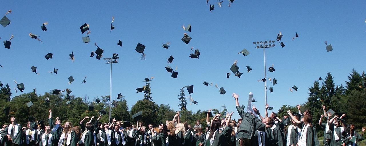 Laurearsi da adulti è possibile con le università telematiche